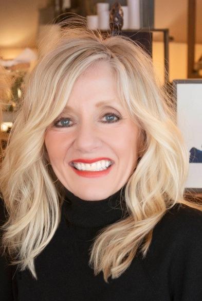 2019 Leslie Headshot